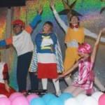 O espetáculo Aventuras em Lazy Town estréia amanhã no Teatro Clara Nunes