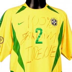 A camisa 100% Jardim Irene. Com ela Cafu ergueu a Taça Fifa e colocou seu bairro no mapa-múndi do futebol (Acervo Cafu)